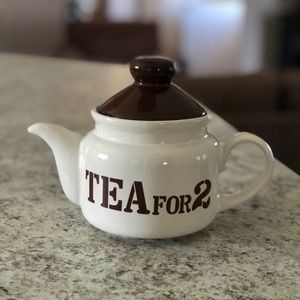 "❤️3/$30 ""Tea for 2"". Cute 2 cup teapot."